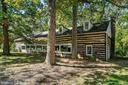 Built from 200yr old timbers reclaimed from a barn - 40568 HIDDEN HILLS LN, PAEONIAN SPRINGS