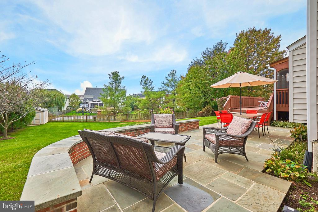Lots of Entertaining Space - 43857 HARTLEY PL, ASHBURN