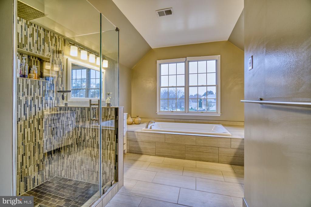 Primary Bathroom - 10868 GROVEHAMPTON CT, RESTON