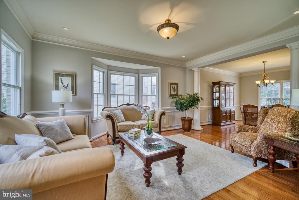 Living Room - 10868 GROVEHAMPTON CT, RESTON