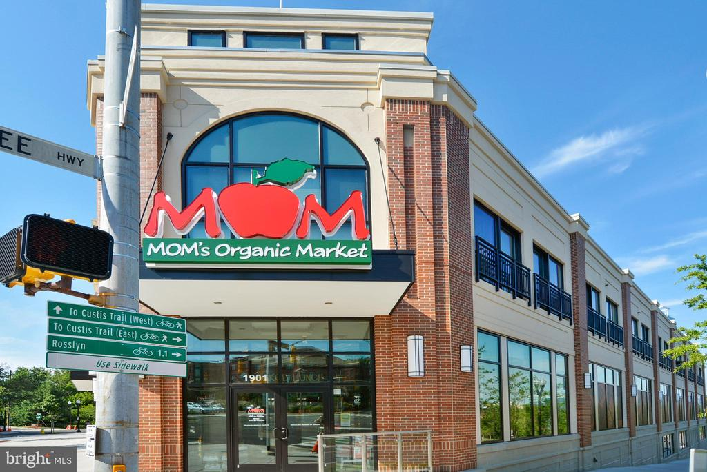 Shopping nearby - 1301 N COURTHOUSE #1607, ARLINGTON