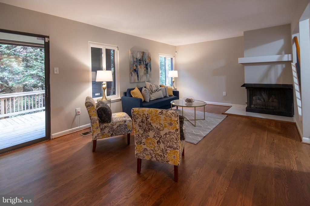 Living room - 11580 WOODHOLLOW CT, RESTON