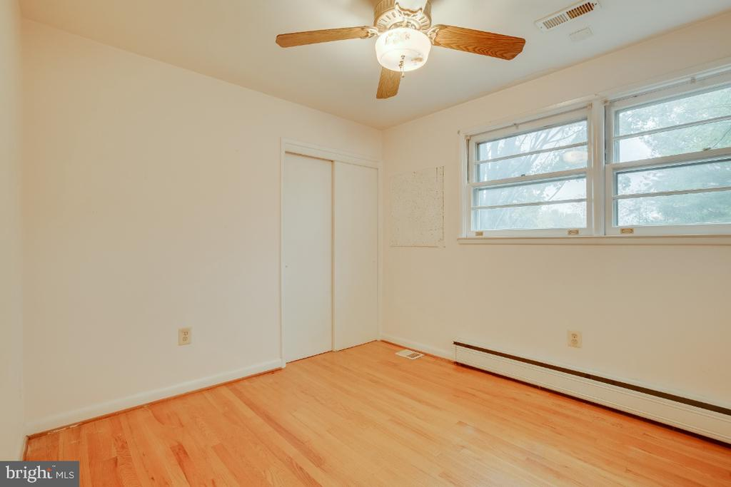 Bedroom 3, first left off hallway. - 161 LAWSON RD SE, LEESBURG