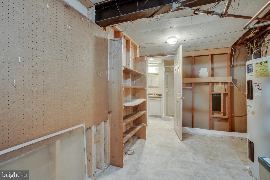 Utility / Storage room - 161 LAWSON RD SE, LEESBURG