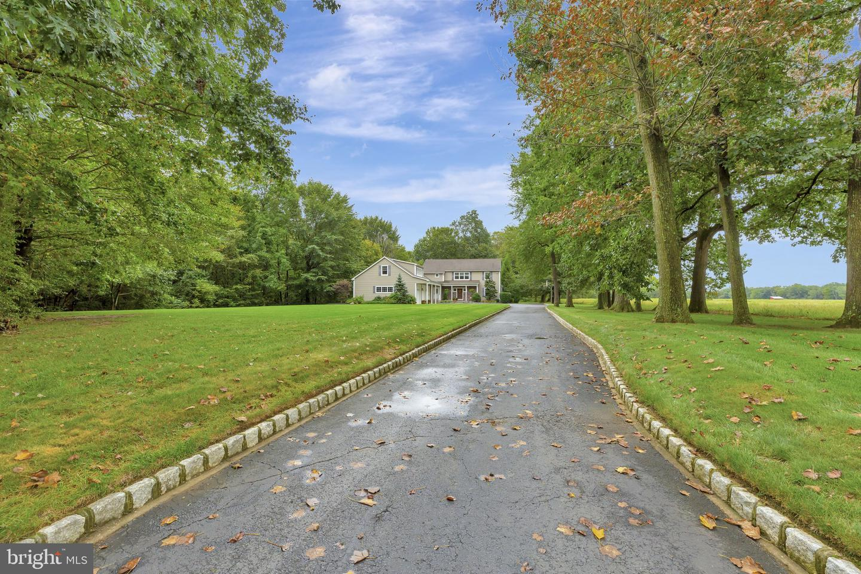 374 MONMOUTH Road  Wrightstown, Nueva Jersey 08562 Estados Unidos