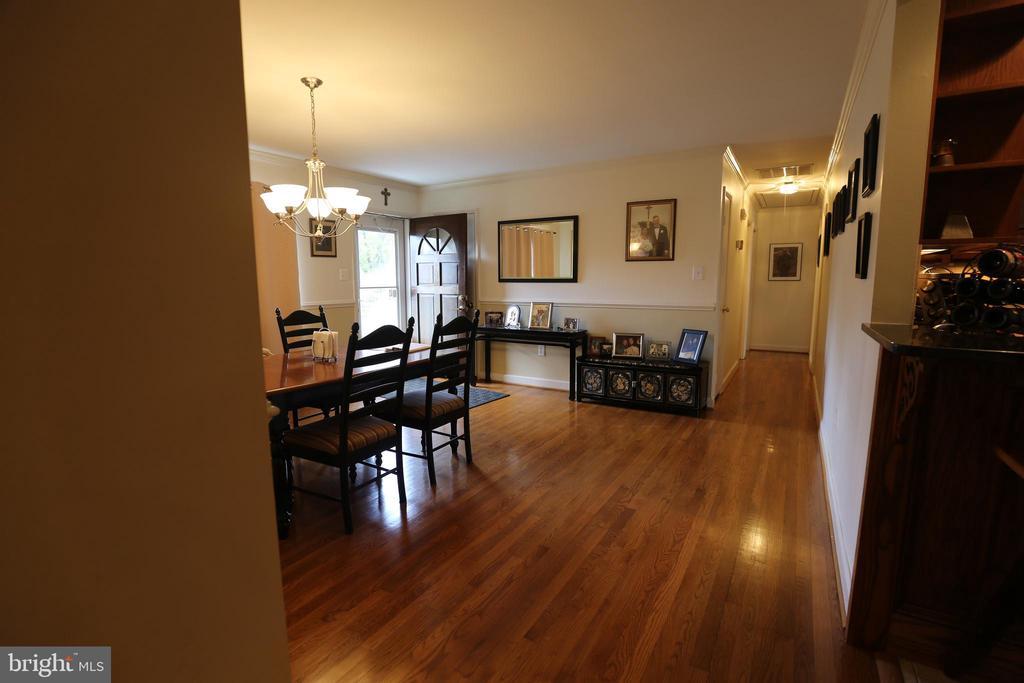 Check Out These Gorgeous Hardwood Floors! - 7707 DUBLIN DR, MANASSAS