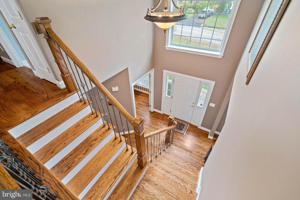View from Upper Level to Residence Front Entrance. - 7893 MEADOWGATE DR, MANASSAS