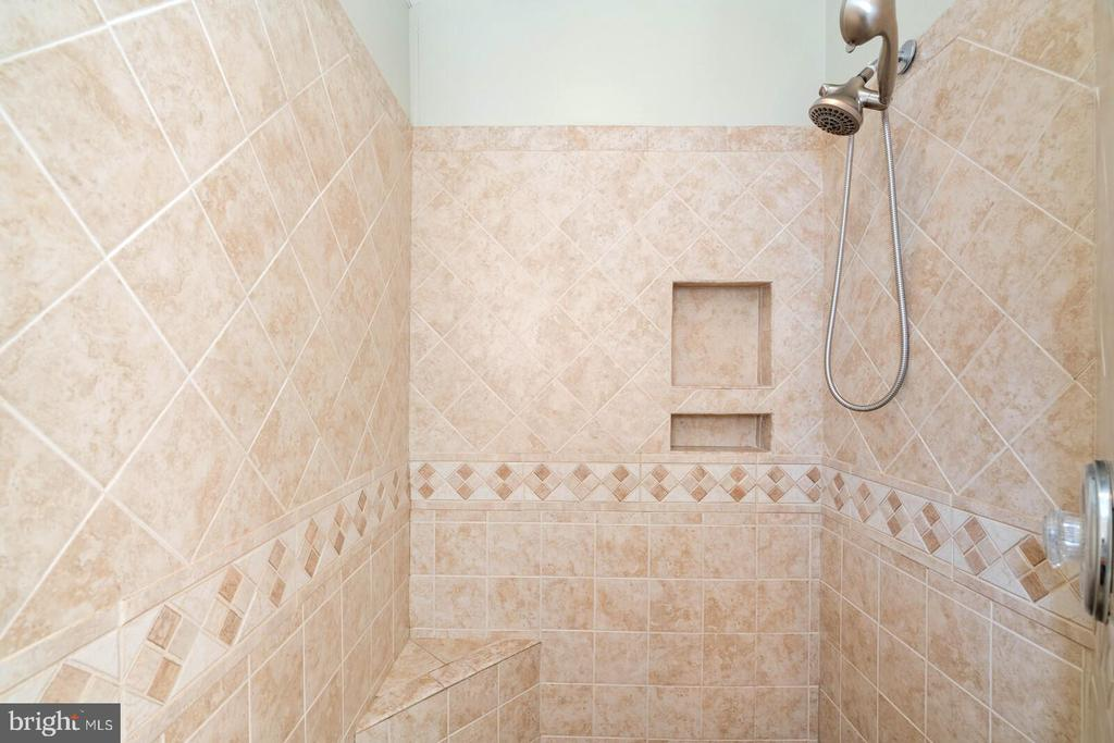 Master Bath Custom Tile Shower - 7893 MEADOWGATE DR, MANASSAS