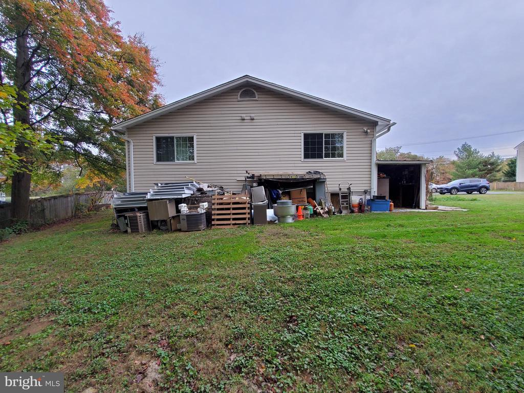 - 8116 ROLLING RD, SPRINGFIELD