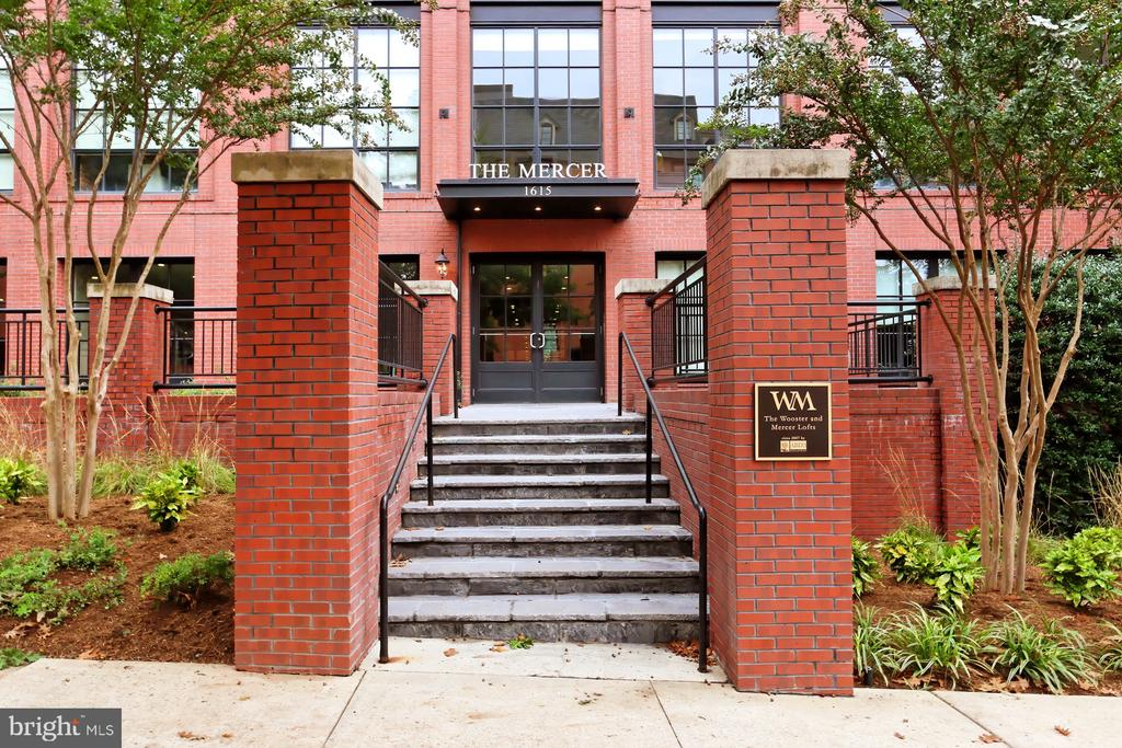 Mercer Main Entrance - 1615 N QUEEN ST #M601, ARLINGTON