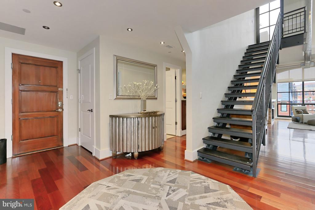 Floating stairs to wrap around rooftop terrace - 1615 N QUEEN ST #M601, ARLINGTON