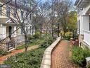 Courtyard view - 1322 N DANVILLE ST, ARLINGTON