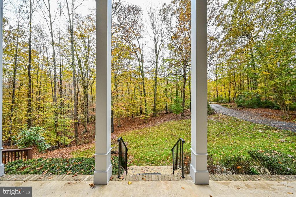 View Of Front Yard From Front Porch - 5040 CANNON BLUFF DR, WOODBRIDGE