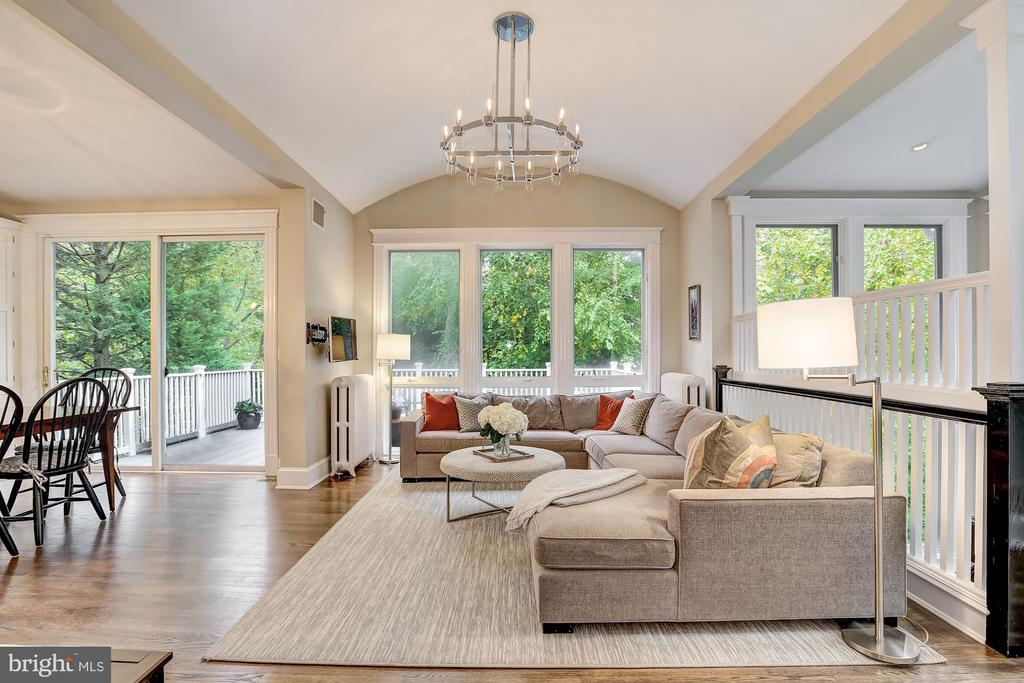 Contemporary Living Spaces - 3307 MACOMB ST NW, WASHINGTON