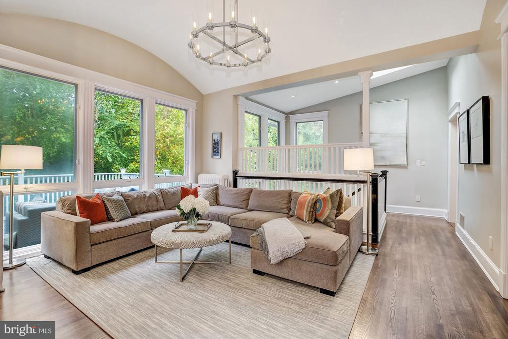 Family Room with Soaring Ceiling Heights - 3307 MACOMB ST NW, WASHINGTON