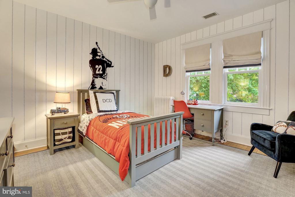 Generous Size Bedrooms - 3307 MACOMB ST NW, WASHINGTON