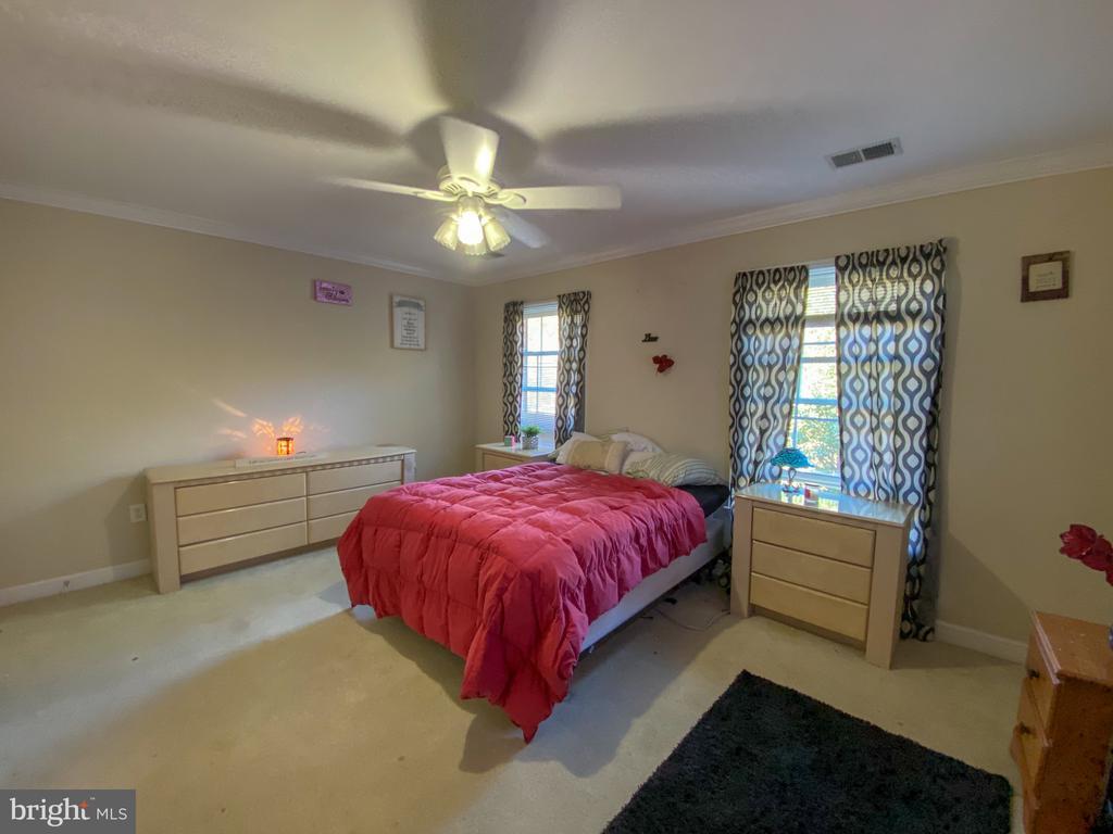 Bedroom #4 that has Jack and Jill Bathroom - 10810 PENINSULA CT, MANASSAS