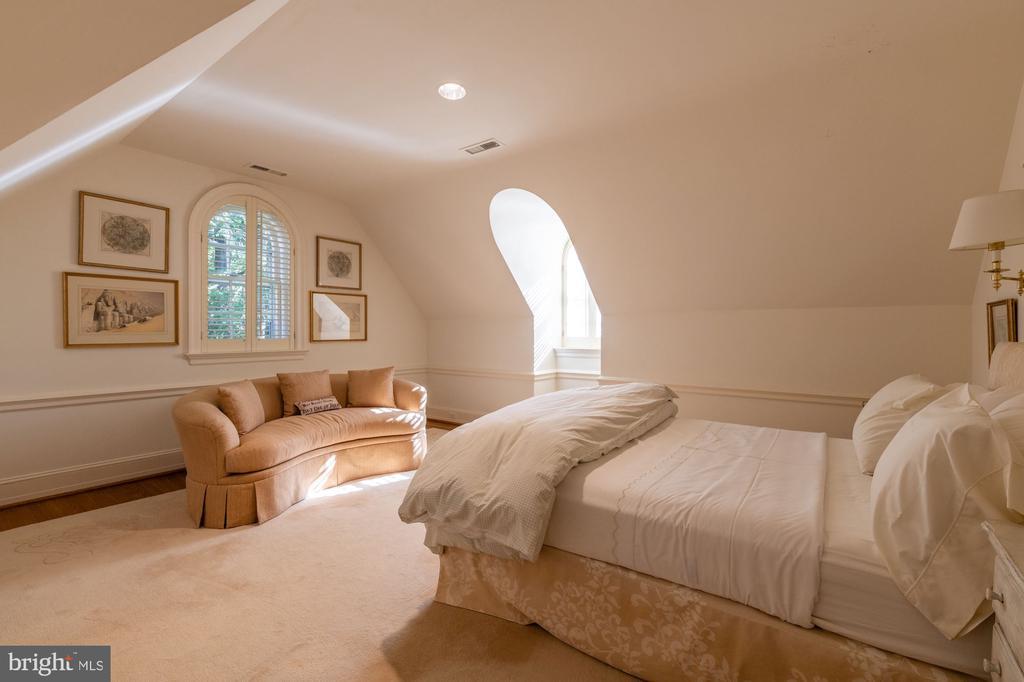 Bedroom 5/Third Floor - 2829 WOODLAND DR NW, WASHINGTON