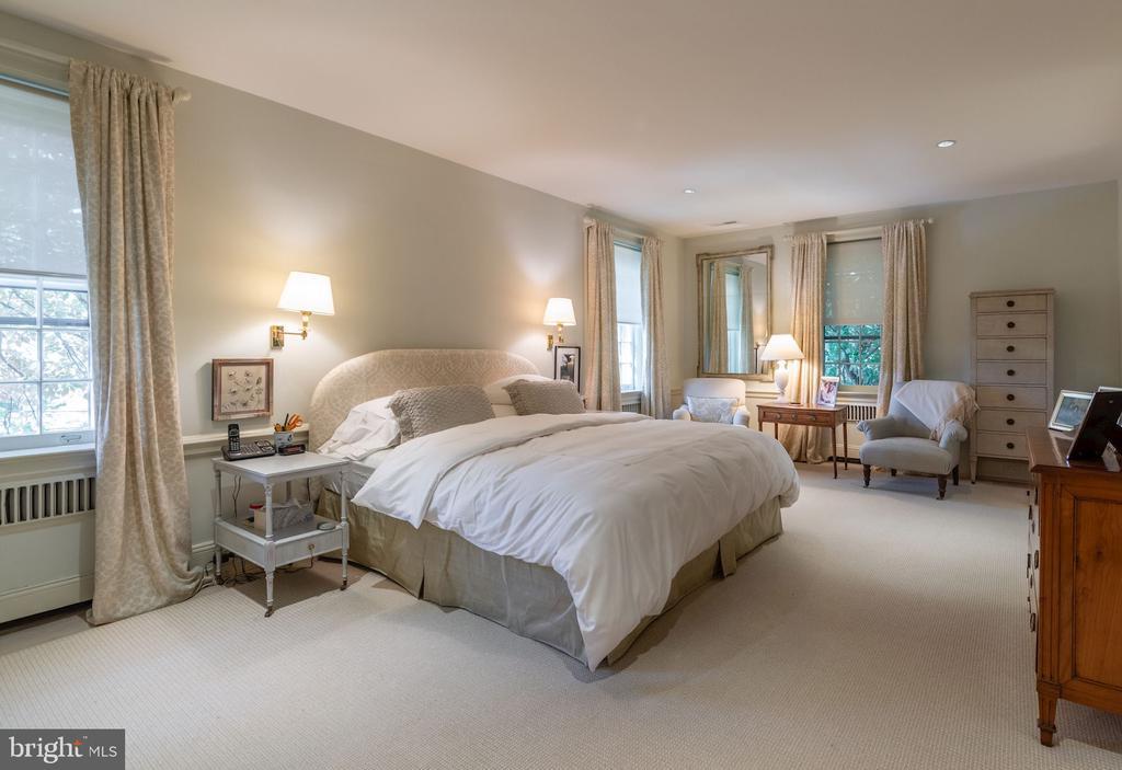 Master Bedroom/Second Floor - 2829 WOODLAND DR NW, WASHINGTON