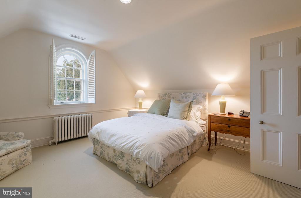 Bedroom 4/Third Floor - 2829 WOODLAND DR NW, WASHINGTON