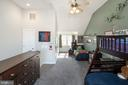Loft/3rd bedroom with full bath - 1322 N DANVILLE ST, ARLINGTON