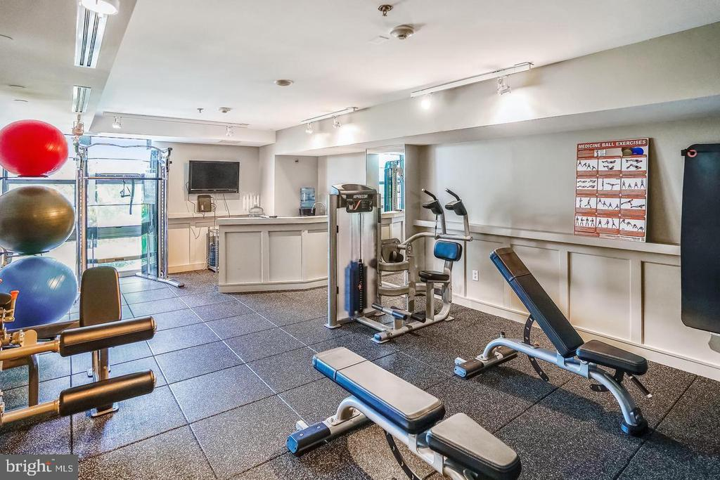 STATE OF THE ART FITNESS CENTER - 1830 FOUNTAIN DR #308, RESTON