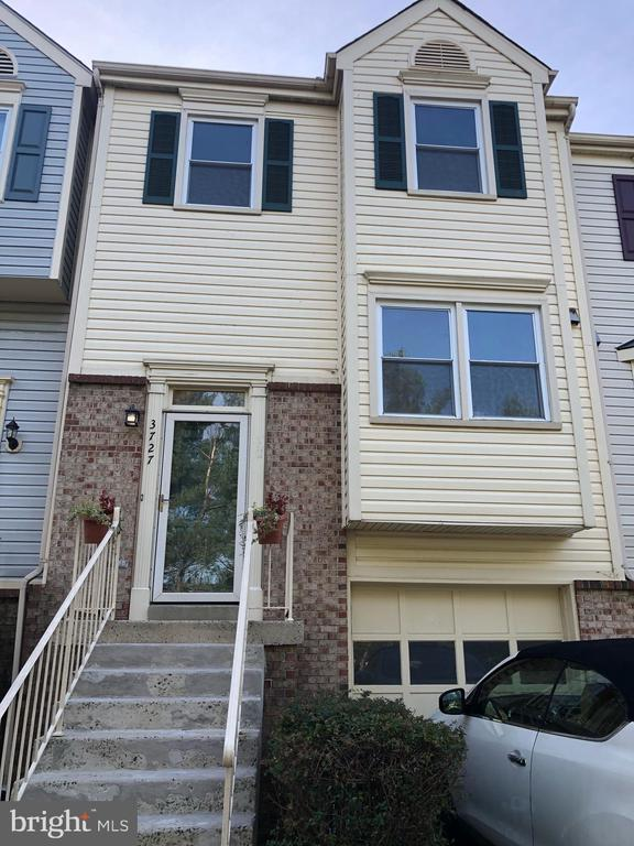 Just updated and waiting for you! - 3727 ROXBURY LN, ALEXANDRIA