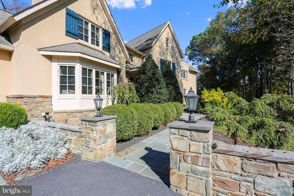 Stone Landscaping and Lighting - 4808 WHISKEY CT, IJAMSVILLE