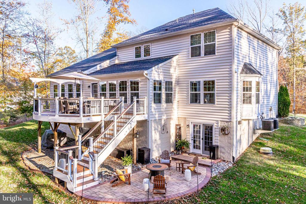 Made for Outside Entertaining - 12801 CLASSIC SPRINGS DR, MANASSAS
