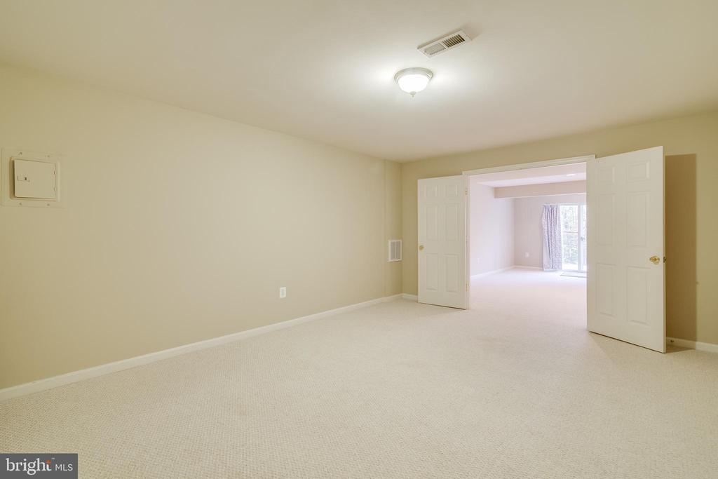 Basement Room - 15304 EGGLESTETTON CT, MANASSAS