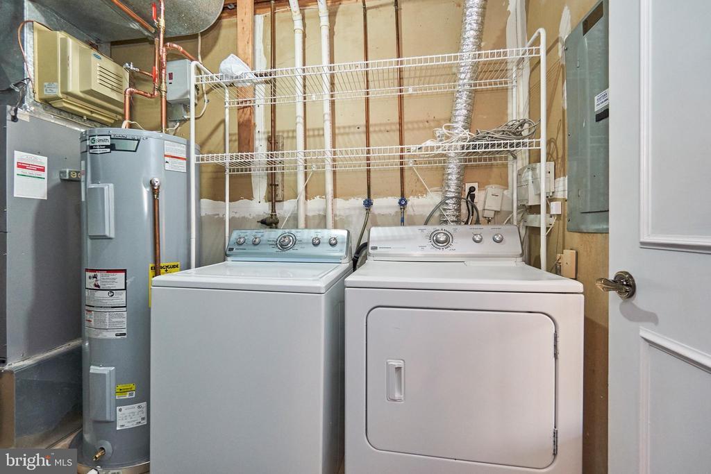 Lower Level Laundry - 3305 KINFOLK CT, HERNDON