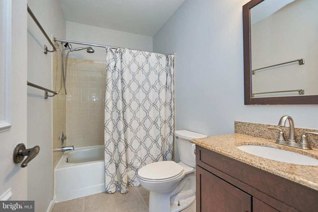 Primary bathroom 2 - 3305 KINFOLK CT, HERNDON