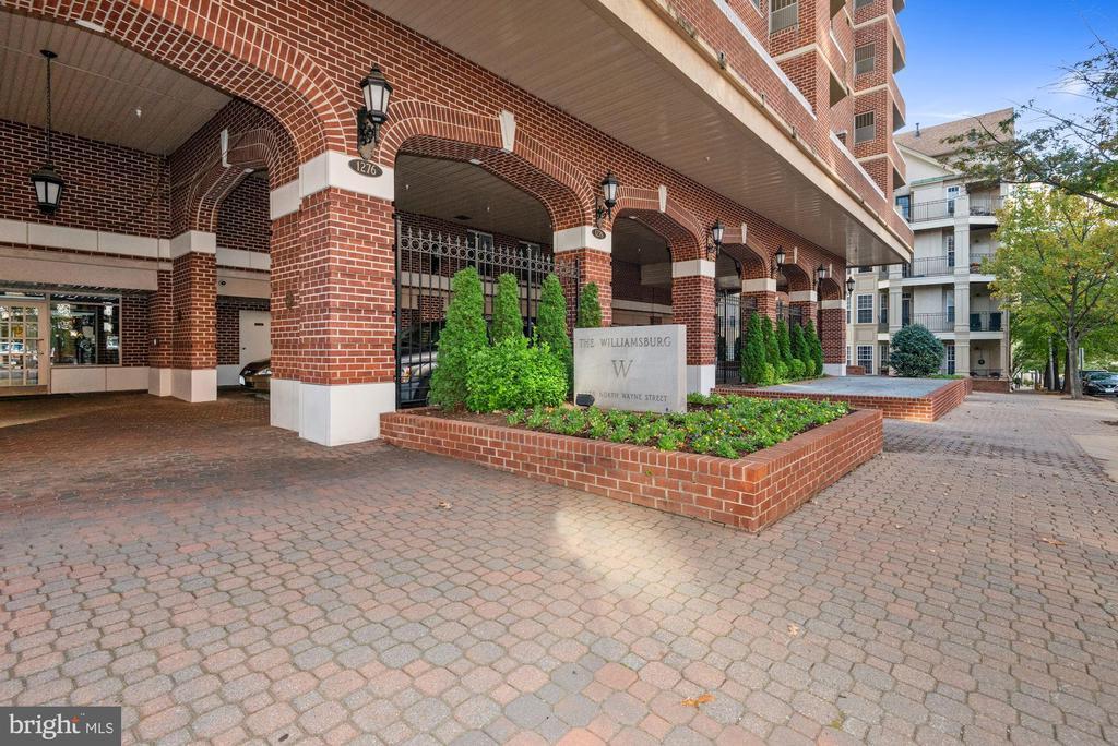 The Williamsburg entrance - 1276 N WAYNE ST #807, ARLINGTON