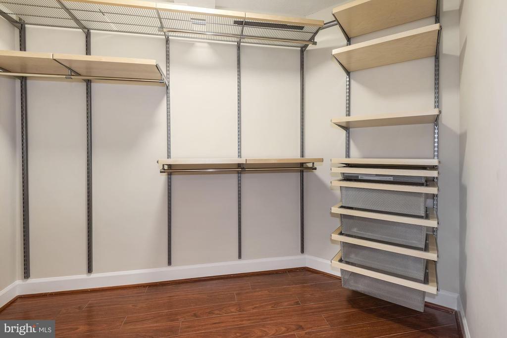 Walk-in Master Closet with new Elfa shelving - 1276 N WAYNE ST #807, ARLINGTON