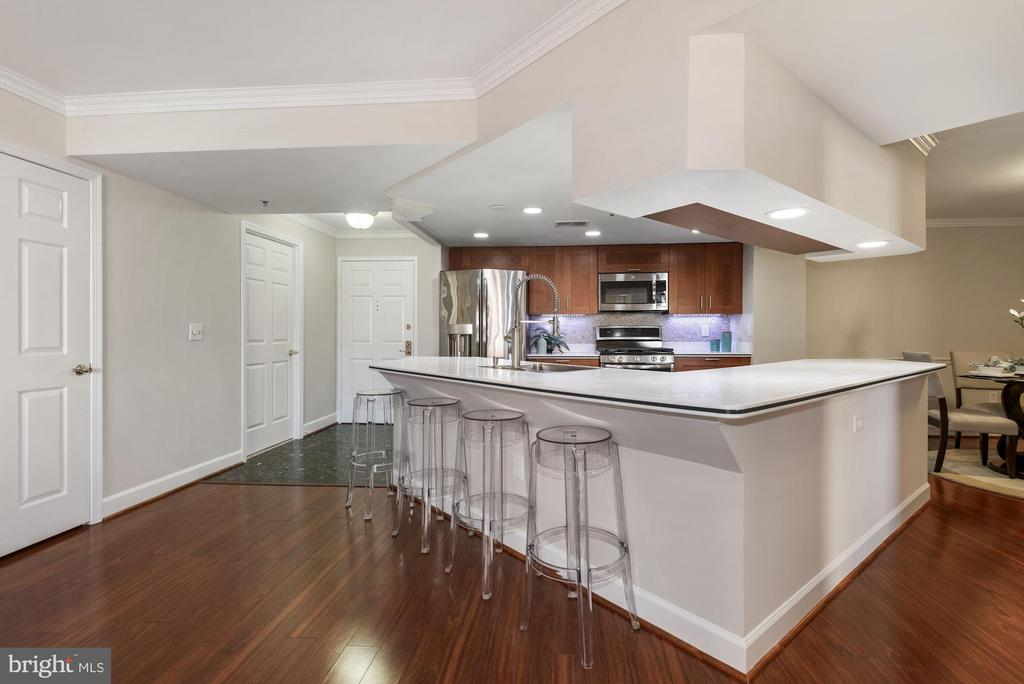 View of the Kitchen looking toward Foyer. - 1276 N WAYNE ST #807, ARLINGTON