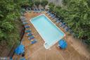 The Williamsburg pool - 1276 N WAYNE ST #807, ARLINGTON