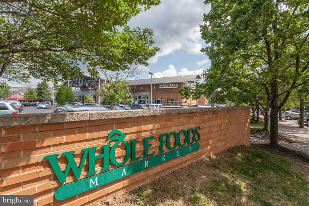 Whole Foods nearby - 1276 N WAYNE ST #807, ARLINGTON