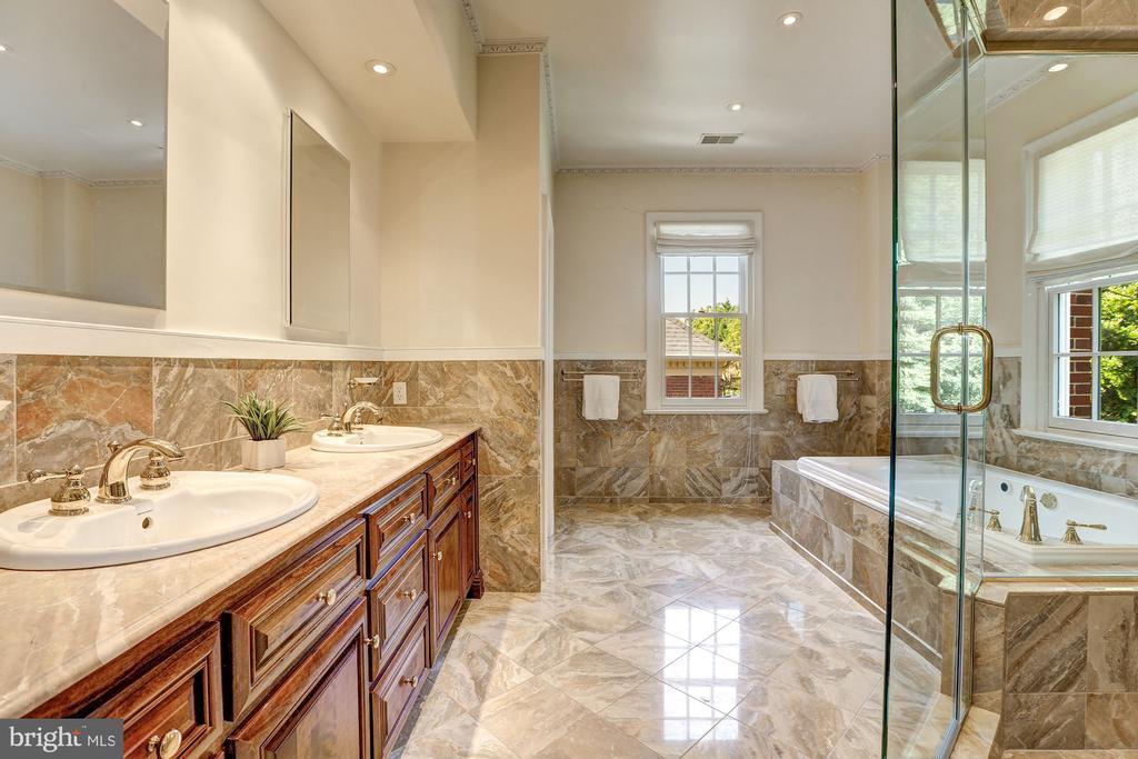 Master Bathroom - 2507 MASSACHUSETTS AVE NW, WASHINGTON
