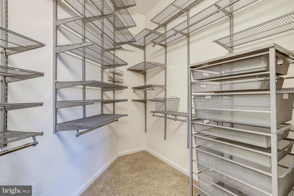 21 Huge walk in closet with custom shelving - 309 HOLLAND LN #115, ALEXANDRIA