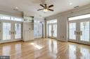 7a Spacious and full of light living room - 309 HOLLAND LN #115, ALEXANDRIA