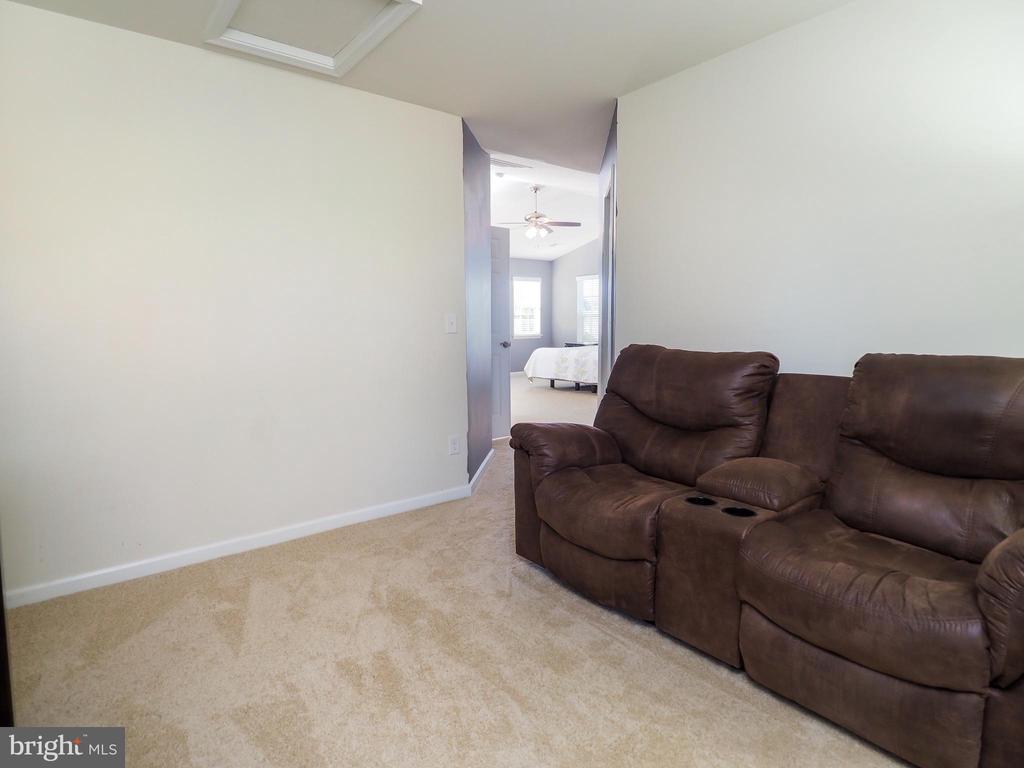 Sitting room, mancave, office, nursery? You decide - 14973 SPRIGGS TREE LN, WOODBRIDGE