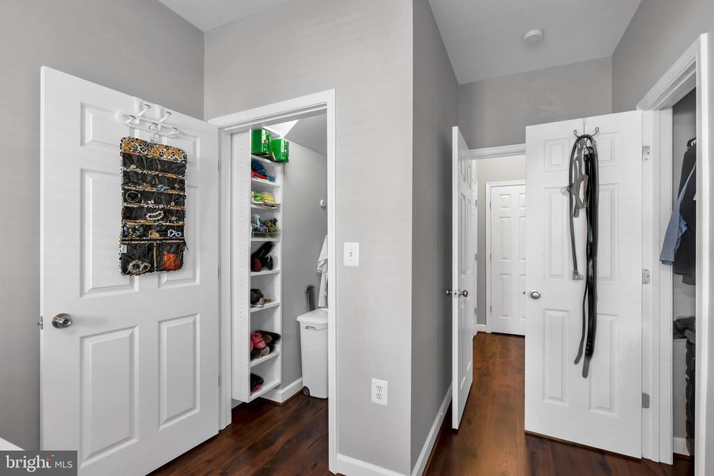 Two closet in bedroom - 42509 HOLLYHOCK TER, BRAMBLETON