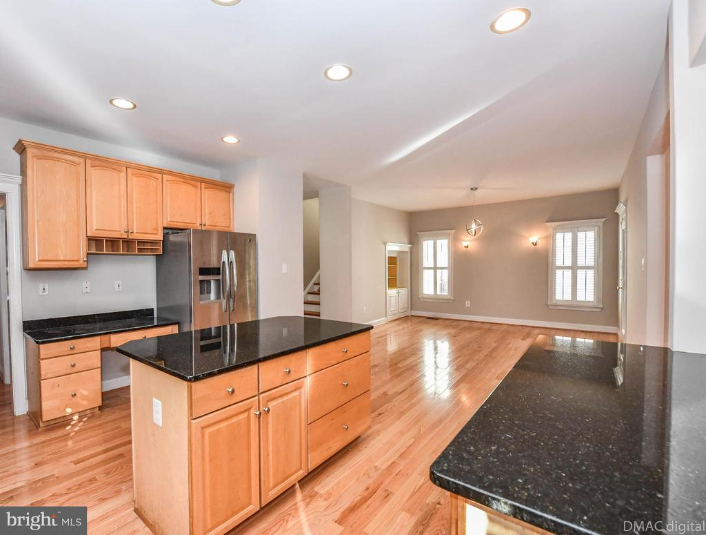 - 8839 LEW WALLACE RD, FREDERICK