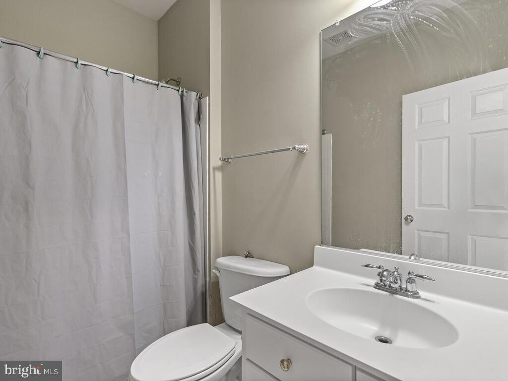 Full Bath #2, Upper Level - 14136 SNICKERSVILLE DR, GAINESVILLE