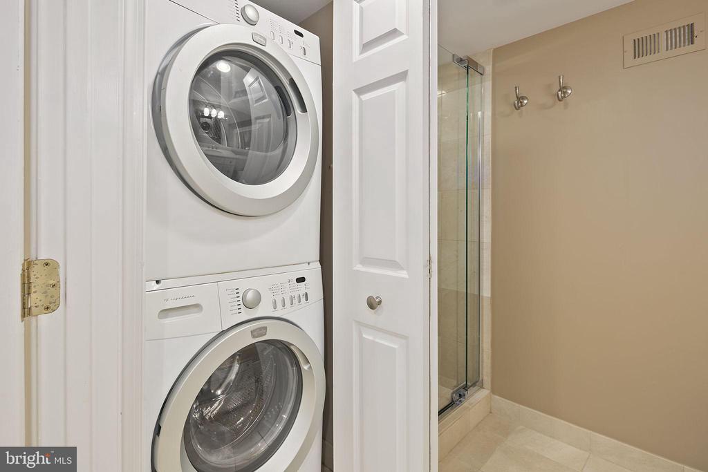 Laundry - 4634 31ST RD S, ARLINGTON