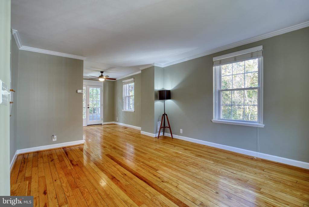 Terrific hard wood floors! - 4819 27TH RD S #2503, ARLINGTON