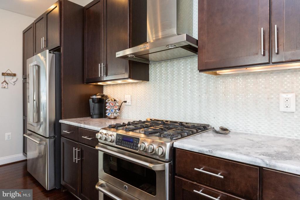 Kitchen - 821 N WAKEFIELD ST, ARLINGTON