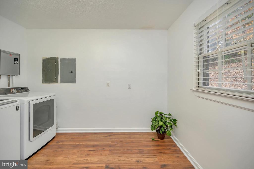 Laundry Room - 24 ELLIOTT LN, STAFFORD