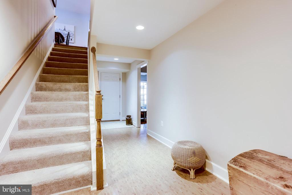 Stairs leading to Lower Level - 100 PEARL ST, HERNDON