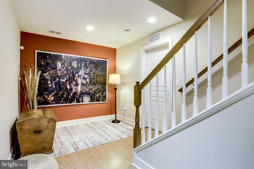 Recessed Lighting brightens up this Level - 100 PEARL ST, HERNDON